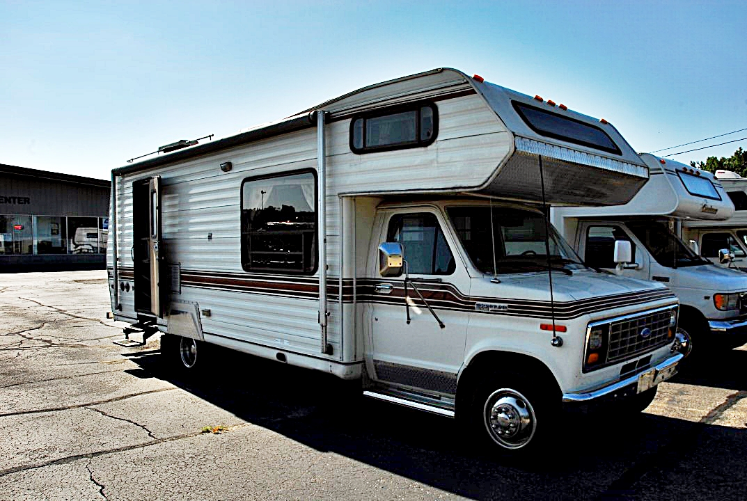 Pre Owned 1983 Yellowstone Cavalier 26 Class C Motorhome