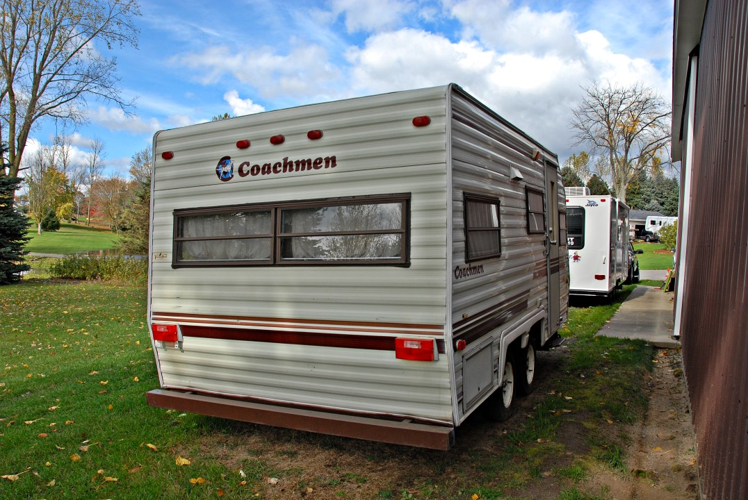 1986 Coachmen Crusader 17 Fdrg Travel Trailer